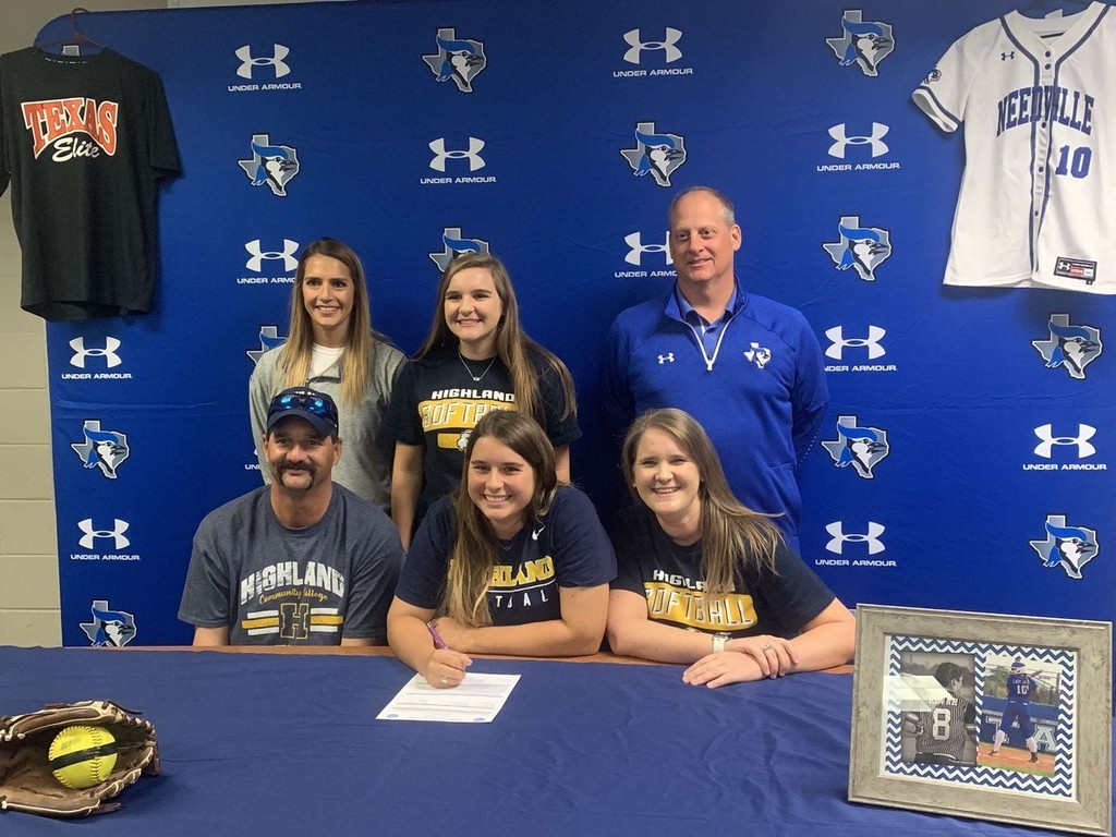 Madison Kovar signing